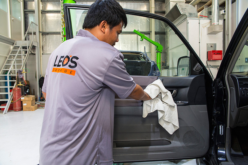 Leou0027s Garage   Car Interior Cleaning Service In Dubai