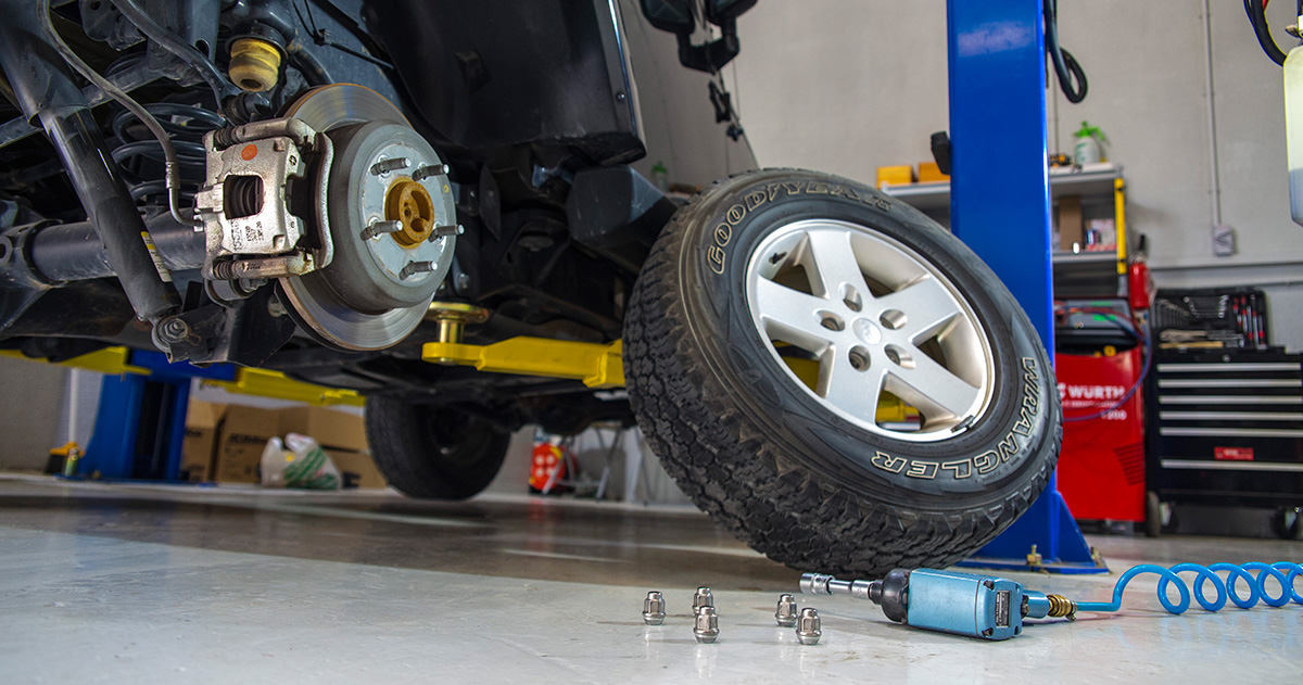 Leo's Garage - Wheels & Tyres Car Service and tyre repairs in Dubai